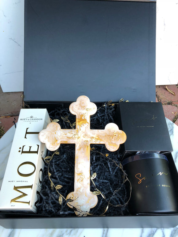 Hamper Lrg Cross Saint Candle