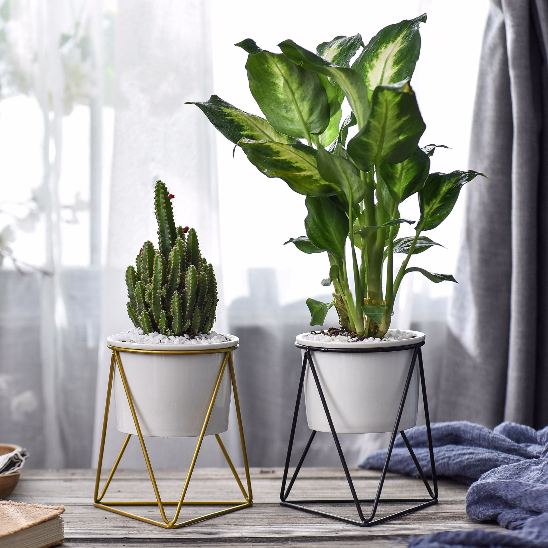 Scandi Triangle Wire Planter