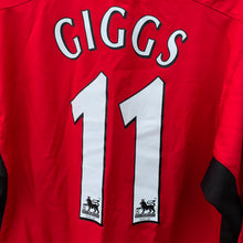 2002 04 MANCHESTER UNITED HOME FOOTBALL SHIRT #11 GIGGS - S