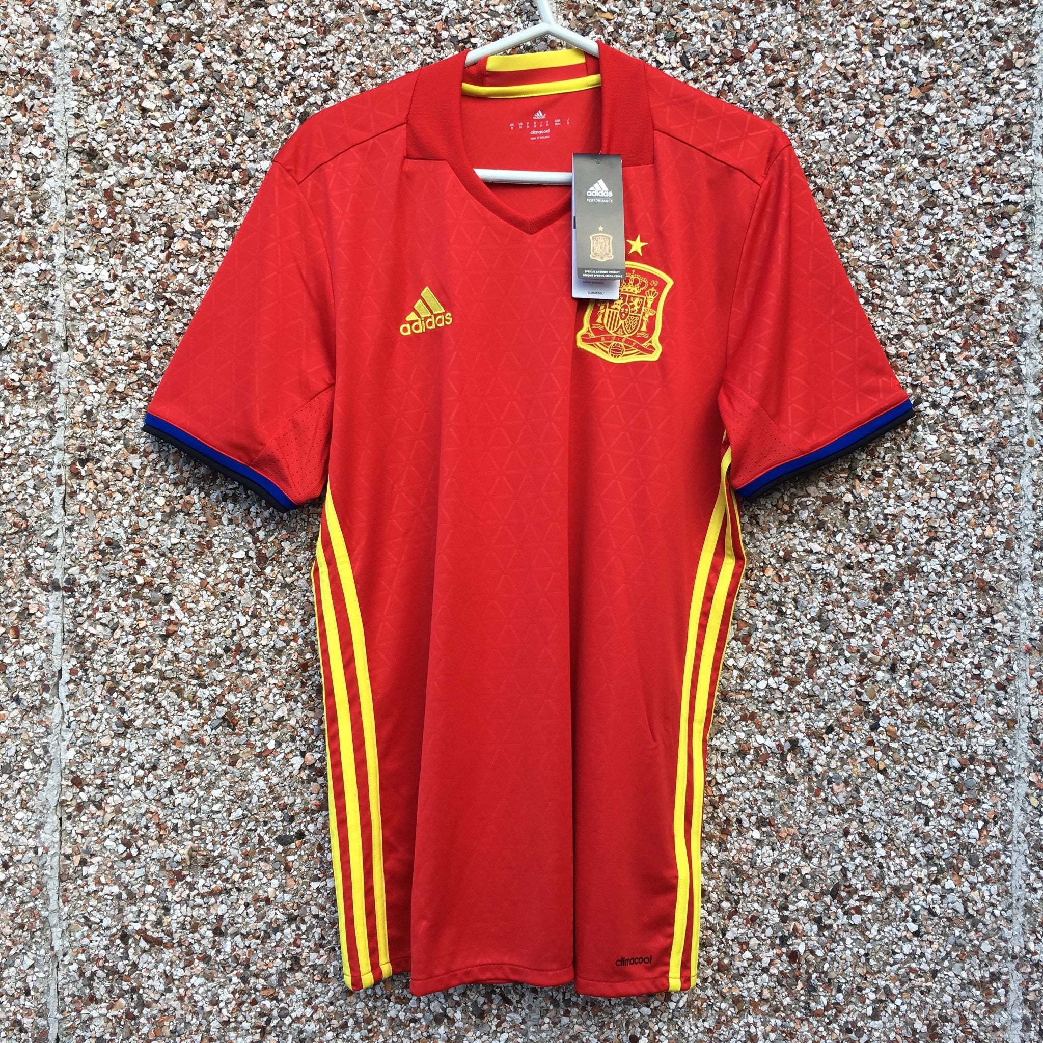 ce74f8c6a 2016 2017 Spain home Football Shirt - M – buysellfootballshirts.co.uk
