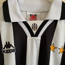 1995 1997 Juventus home football shirt - XL