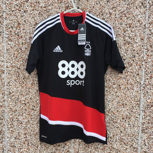 2016 2017 Nottingham Forest away Football Shirt *BNWT* - L