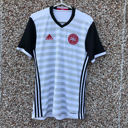 2016 Denmark away Football Shirt - S