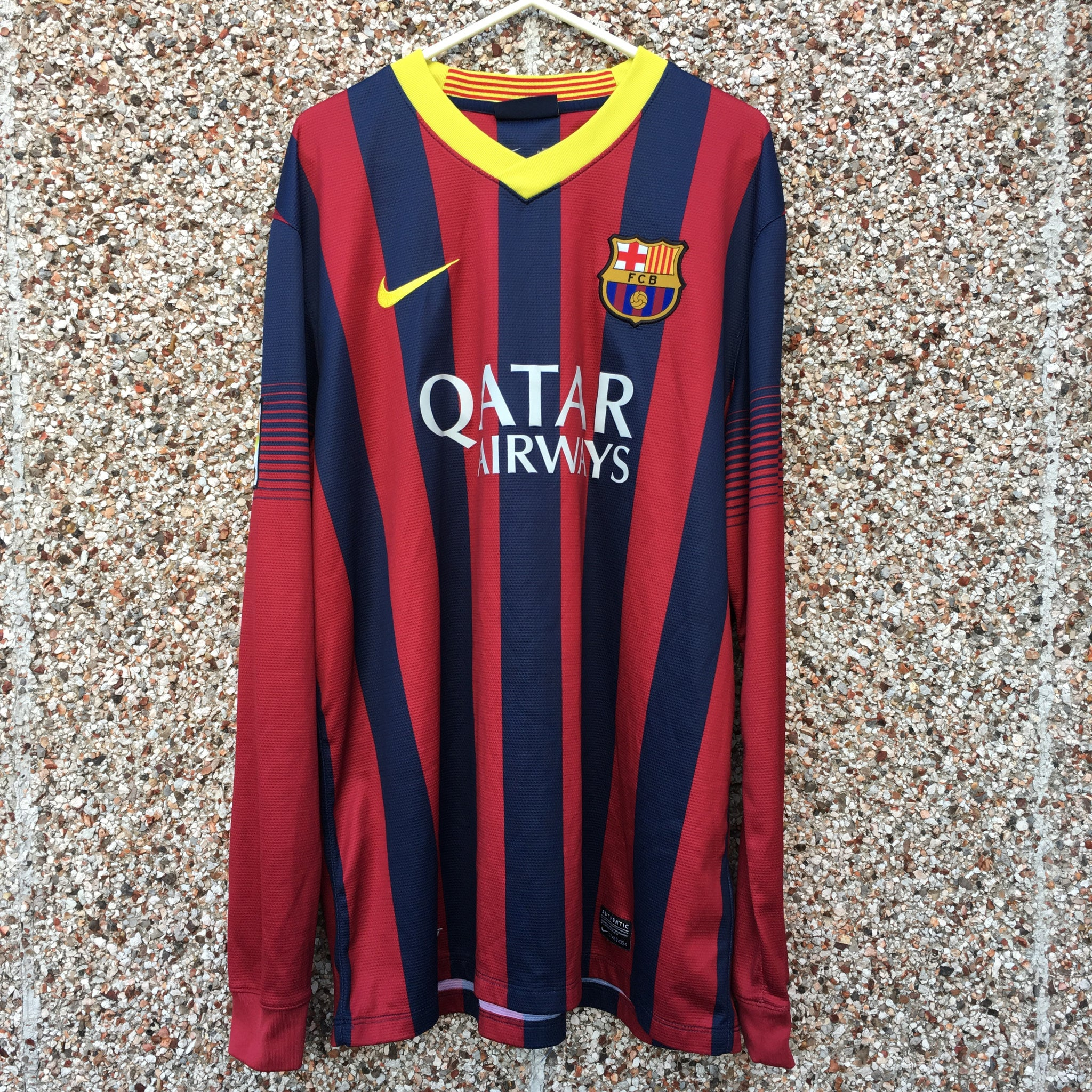 check out 7bca8 dee33 2013 2014 Barcelona Long Sleeves home Football Shirt - L ...