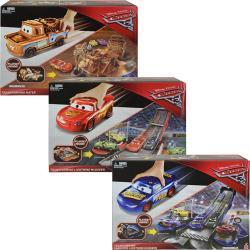 Mattel Disney Cars Transforming Hero Playset DCC