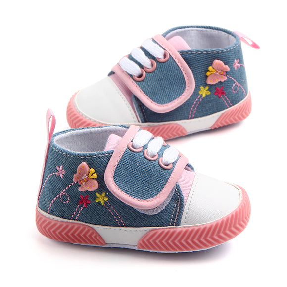 Latest design beautiful 3D butterfly design soft baby girl shoes