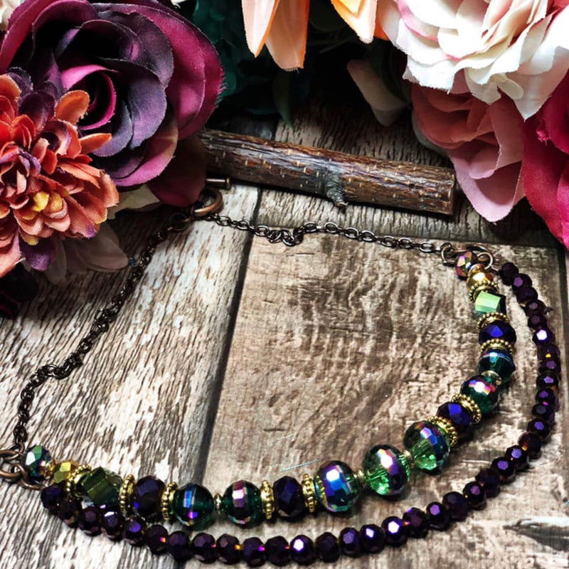 The royal lady beaded necklace (purple)