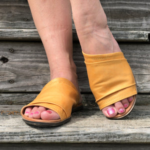 Mustard distressed sandal