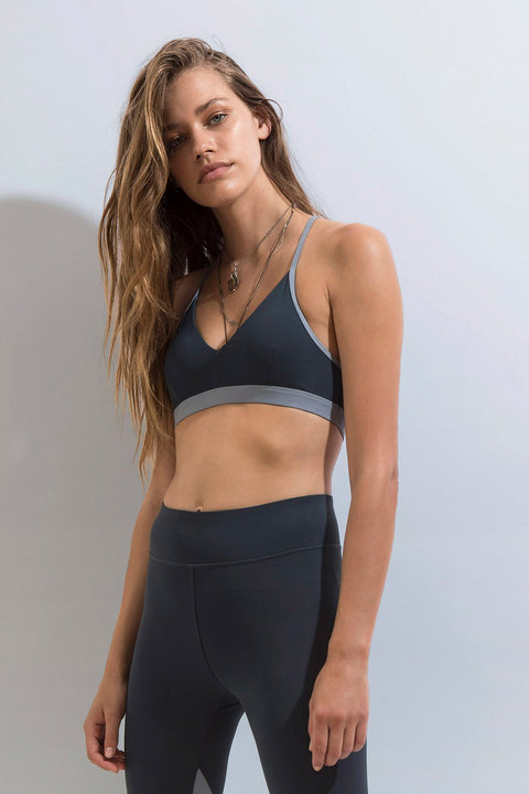 FIRST BASE - Fast Track Sports Bra, Titanium - Makers On Mount