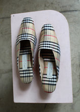 Load image into Gallery viewer, 1980s Silk Burberry Print Mules