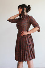 Load image into Gallery viewer, 1950s Paisley Print Cotton Shirtwaist Dress