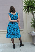 Load image into Gallery viewer, 1950s Blue Floral Cotton Dress