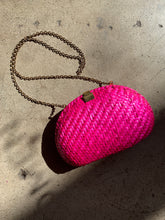 Load image into Gallery viewer, 1980s Hot Pink Woven Purse