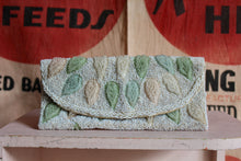 Load image into Gallery viewer, 1950s Pastel Leaf Beaded Clutch Purse