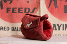 Load image into Gallery viewer, 1940s Felted Wool Scottie Dog Purse
