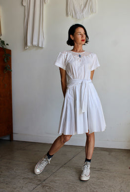 1980s White Cotton Floral Appliqué Dress