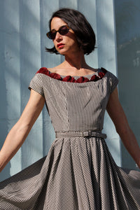 1950s Gingham Taffeta Fan Collar Dress