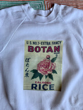 Load image into Gallery viewer, Botan Rice Vintage White Raglan Sweatshirt - L