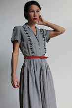 Load image into Gallery viewer, 1950s Houndstooth Cotton Embroidered Dress