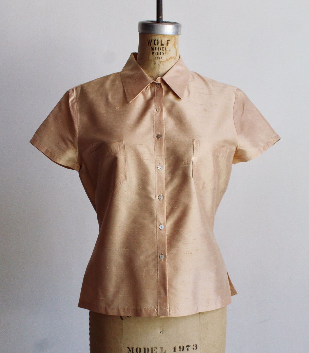 90s Peach Raw Silk Short Sleeve Blouse