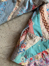 Load image into Gallery viewer, Reversible Patchwork Quilt Jacket