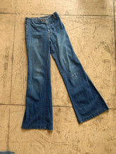 Load image into Gallery viewer, Rare 1970s Dark  Wash High Waisted Bell Bottom Jeans