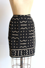 Load image into Gallery viewer, 90s Black Silk Mud Cloth Print Wrap Skirt