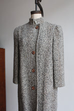 Load image into Gallery viewer, 1970s Oatmeal Tweed Wool Coat