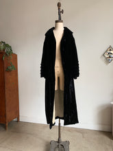 Load image into Gallery viewer, 1930s Black Silk Velvet Opera Coat