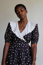 Load image into Gallery viewer, 1980s B&W Polkadots Cotton Dress with White Scalloped Collar