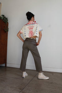 Queen Bee Flour Sack Cropped Button-up