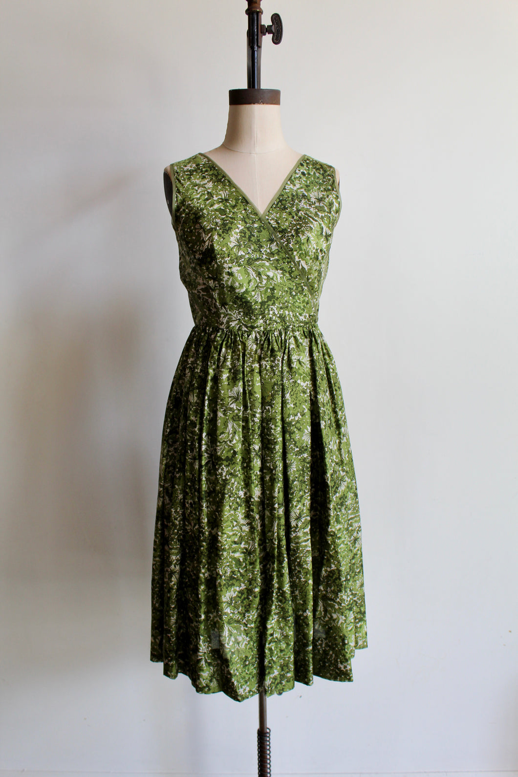 1950s Green Silk Foliage Print Fit + Flare Dress