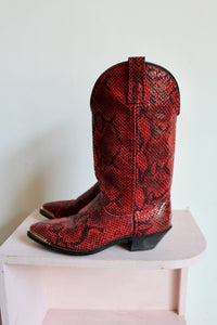 1980s Shiny Red Faux Snakeskin Boots / Size 5.5