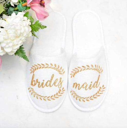 Closed Toe Slippers with wreath - SimplyNameIt