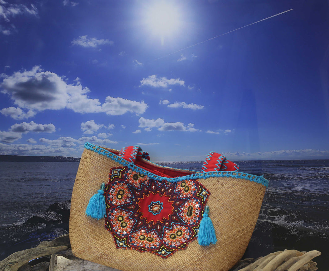 Applique trimmed BALI beach basket - NATURAL, TURQUOISE & RED