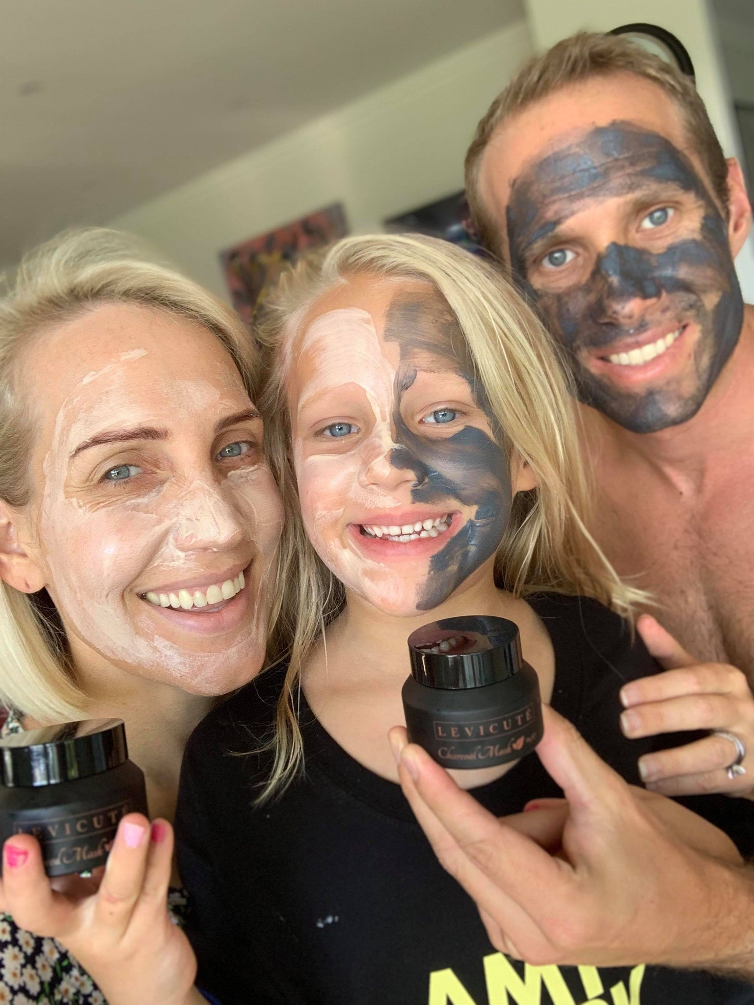 Emily OKeeffe tries out our Levicute facemasks with her whole family - thanks Em!