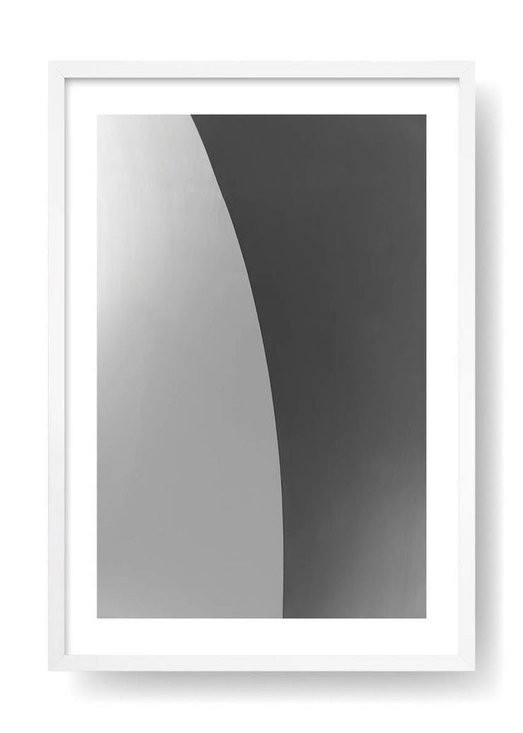 Grey Curve Figure
