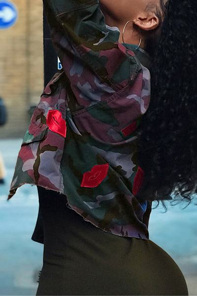 Short Freen Camouflage Military Long SleeveJacket With Red Lips