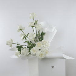 White Roses | Symbol of Purity & Innocence