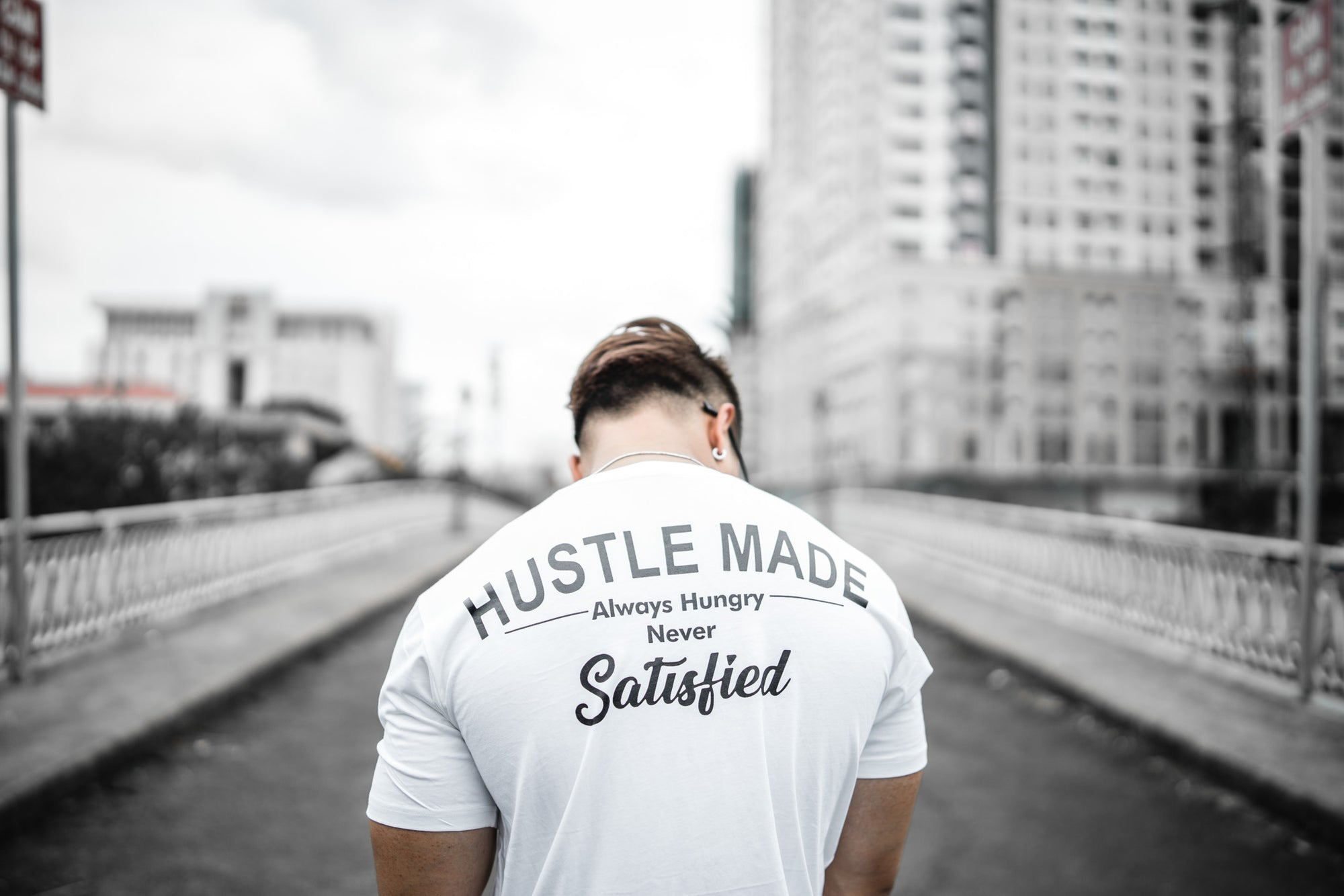 HUSTLEMADE - White / Black
