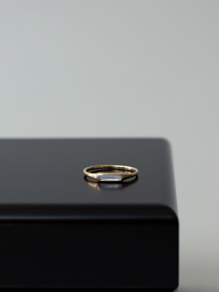 Mother of pearl bar ring