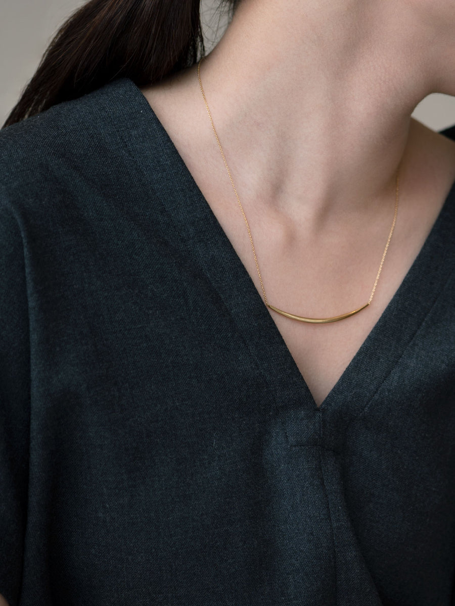 Nude bar necklace L