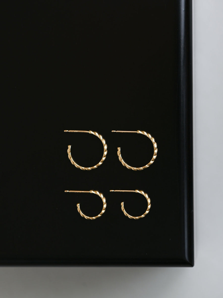 Plain twist hoop stud pierce L