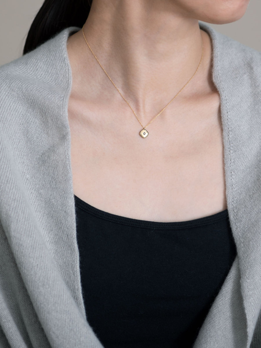 Signet square necklace -inlay-