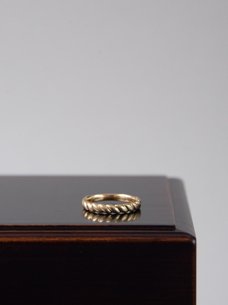 Plain twist ring W