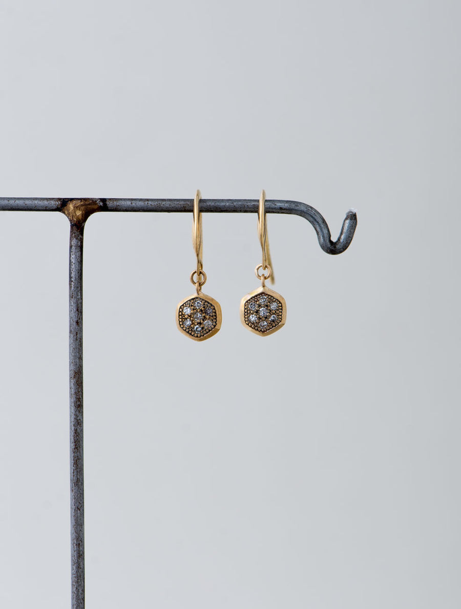 Pave hex hook pierce