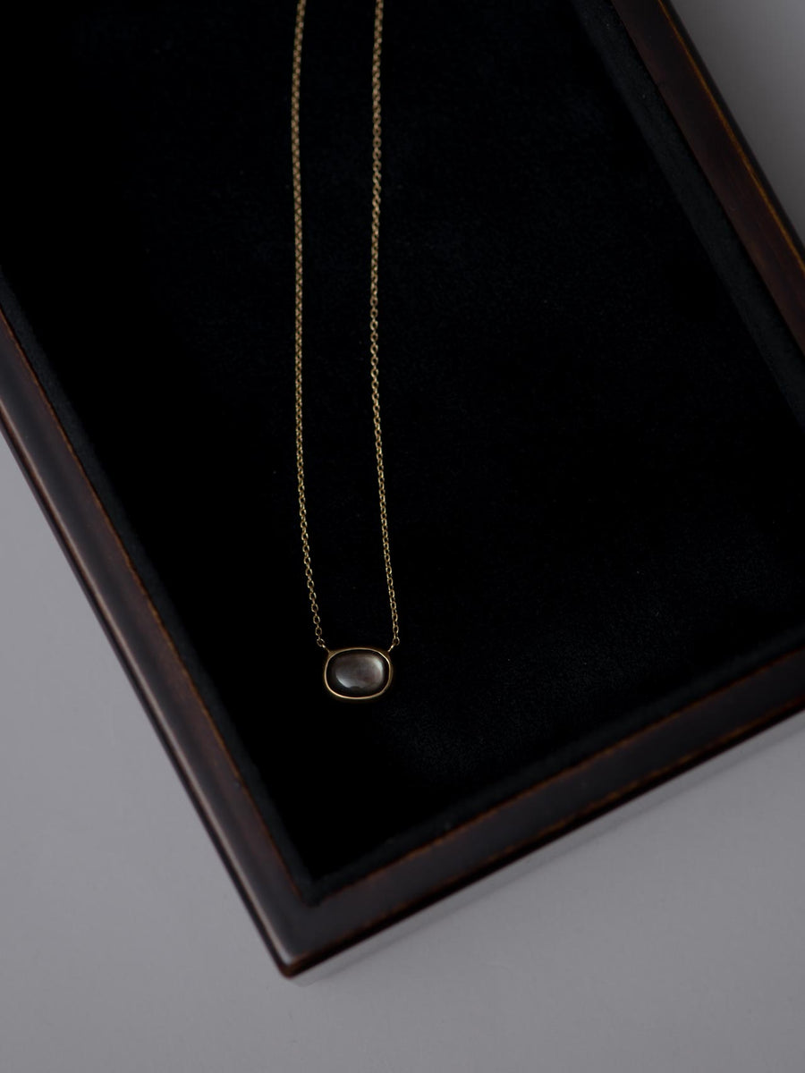 Mother of pearl necklace Ⅰ -black-