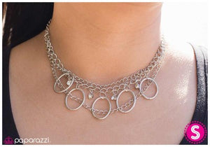 Making a Statement - Paparazzi necklace
