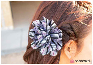 The Bottom Line - Paparazzi Accessories hair clip