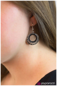 Circle of Life - black Paparazzi earrings